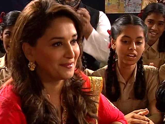 Video : <i>Gulaab Gang</i> supports our Support My School campaign