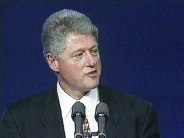Video : The World This Week: President Clinton gives the boost to Northern Island peace protest (Aired: December 1995)
