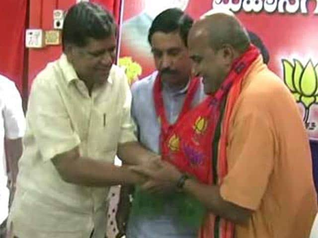 Video : Controversial Muthalik forced to exit BJP within hours