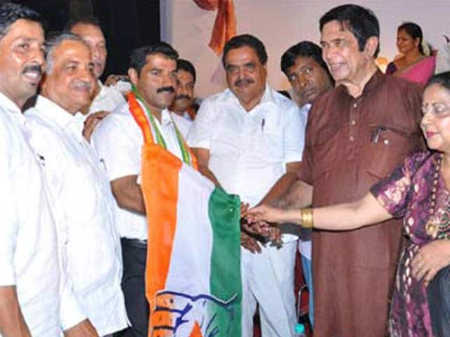 Video : Now Sri Ram Sene's Dinker Shetty enters and exits Congress within hours