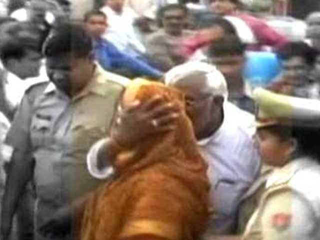 Video : Congress legislator manhandles Nagma, no action despite visual evidence