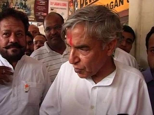 Video : Candidate Pawan Bansal, linked to scam, is open to being stoned