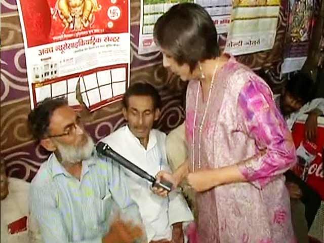 Video : <i>Chai Stop</i>: Gandhi vs Gandhi - parivaar politics?