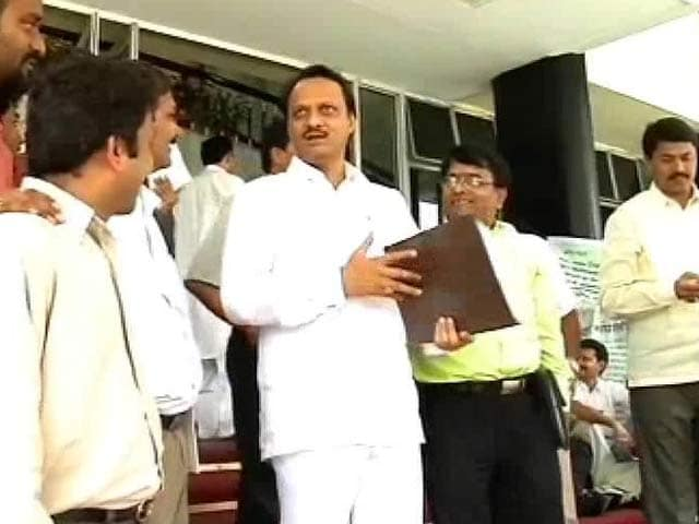Video : Election Commission seeks report on Ajit Pawar video