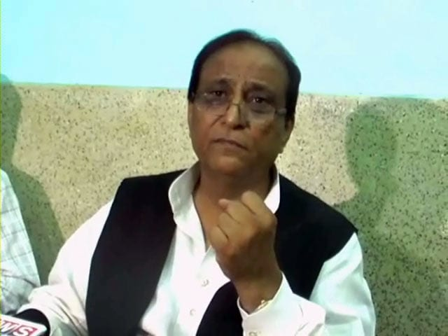Video : Azam Khan refuses to apologise to Election Commission