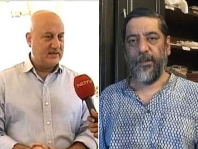 Video : Anupam Kher spars with Rakesh Sharma over Gujarat riots film
