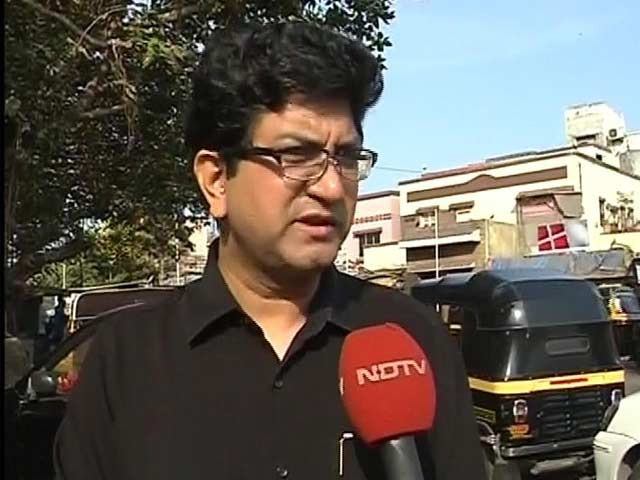 Mumbaikars do not take voting seriously: Prasoon Joshi