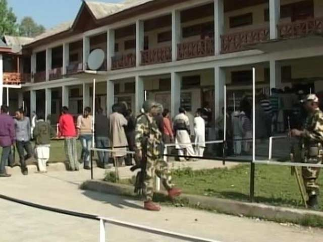 Video : Voting Versus Boycott in Kashmir