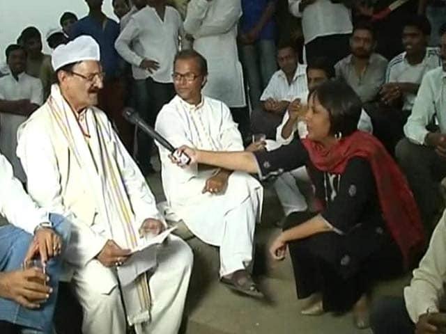 Video : Watch: Varanasi <i>Chai Stop</i> - Poet's Corner