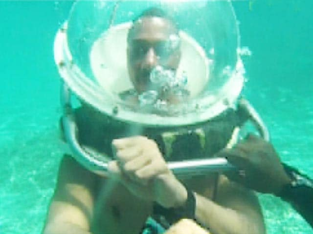 Video : Perfect Under Water Walks in Mauritius With Rasik Chopra