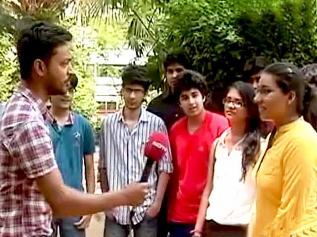 Video : CBSE Class 12th Results Out, Time for College Admissions