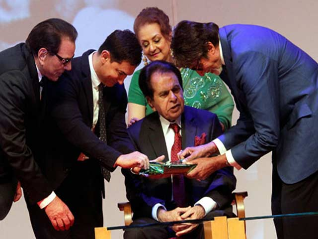 Video : At Dilip Kumar's Book Launch, a VIP Guest List from Bollywood
