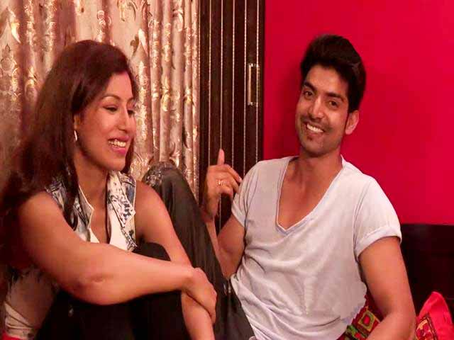 Video : Heavy Petting All Stars With Gurmeet Choudhary & Debina Banerjee