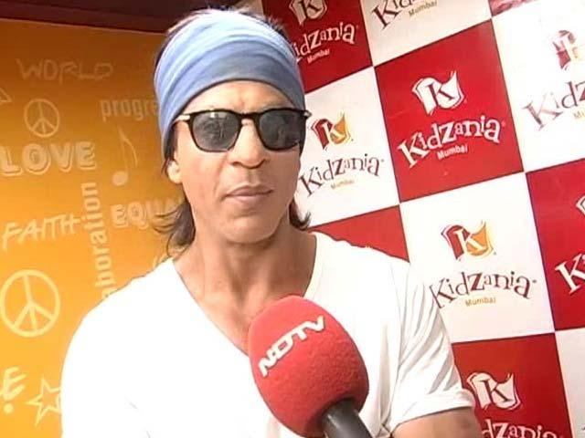 Video : Shah Rukh Khan - A True Football Fanatic!