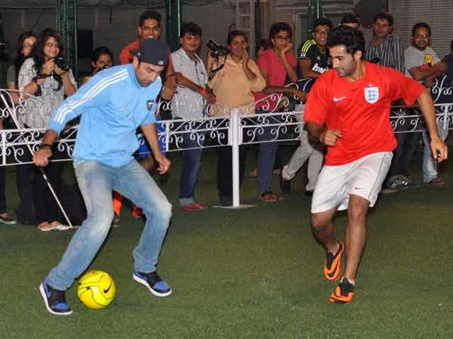 Video : Soccer Siblings: Ranbir Kapoor, Armaan Jain