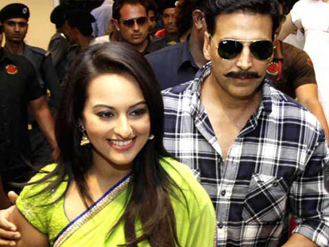 Video : Akshay, Sonakshi Too Busy to Celebrate