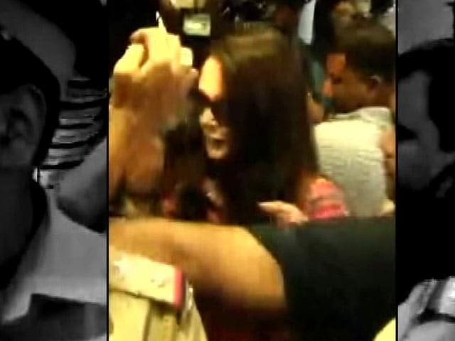 Video : Preity Zinta Meets Cops at Stadium Where She Was Allegedly Threatened