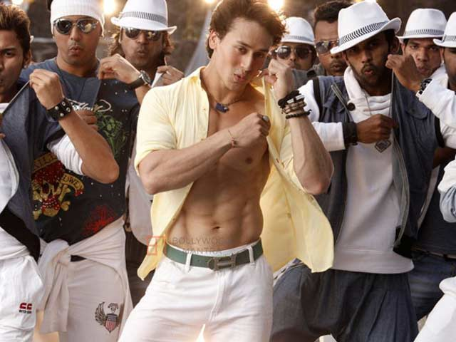 Tiger Shroff Pays Tribute to Michael Jackson