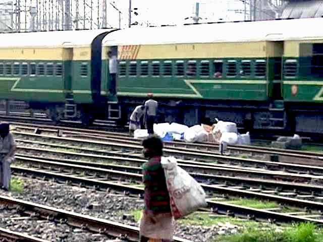 Video : Sadananda Gowda Asks Cabinet to Allow FDI to Revamp Railways