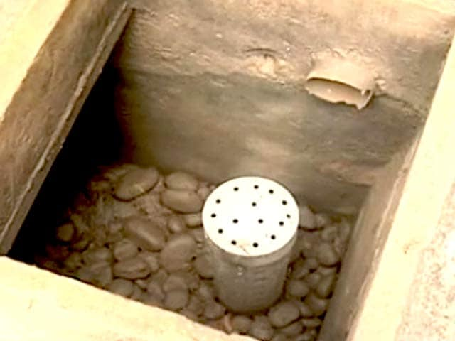 Video : Property It's Hot: Harvesting Rainwater in Your Colony