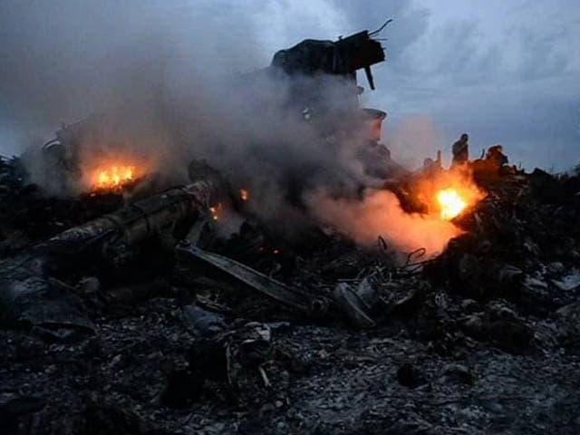 Video : Malaysian Jet Shot Down in Ukraine Had 298 People On Board