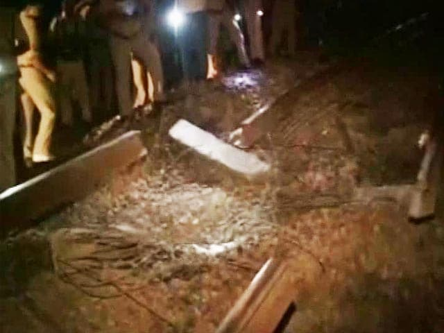 Video : Close Shave for Rajdhani After Maoists Blow up Track in Bihar