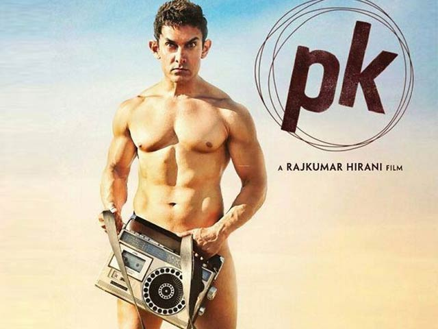 Video : Aamir Switches Clothes for a Radio in <i>PK</i> Poster