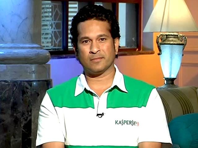 Video : A Gadget Guru Exclusive With the God of Cricket