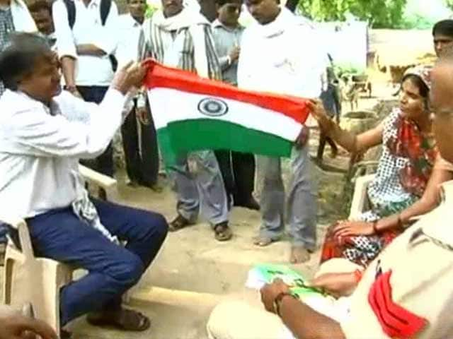 Video : This Dalit Sarpanch in Morena Finally Gets to Celebrate Independence Day