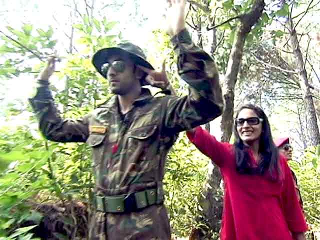 Video : When Celebrities Turned Jawans