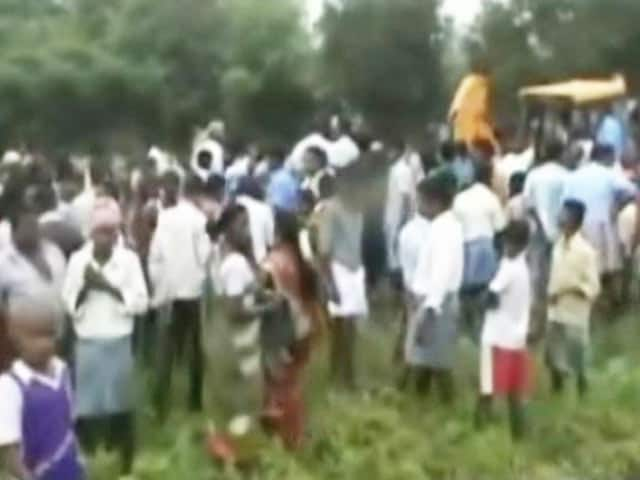 Video : Farmers Resent New Law Regulating Bore Well Digging in Tamil Nadu