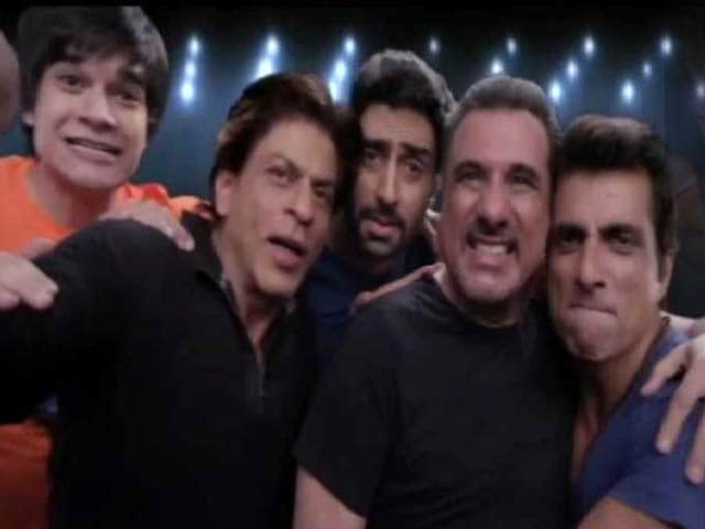 Bollywood Continues to be Selfie-Obsessed