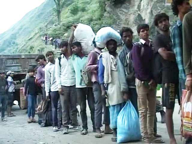 Video : In Disaster-Hit Kashmir, a Collective Story of Human Determination