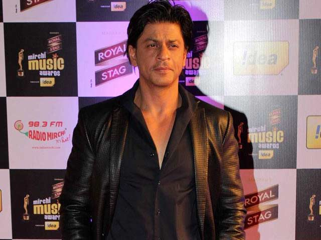 Video : Shah Rukh Khan's Poster Love