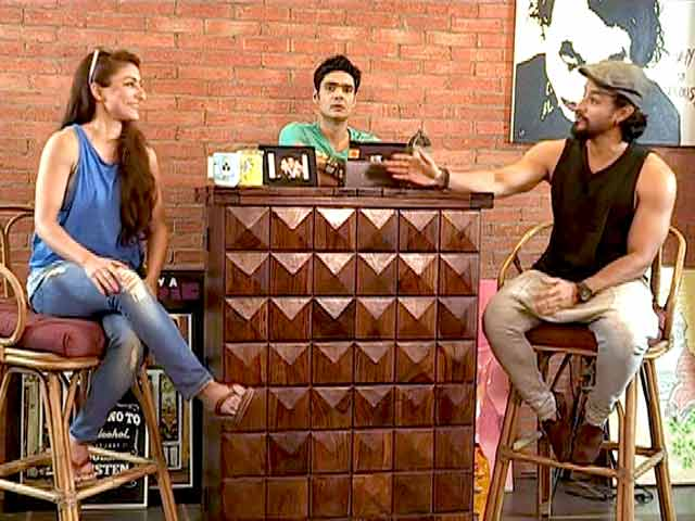 Video : Heavy Petting: Kunal Khemu, Soha Ali Khan and Masti, the Complete Family!