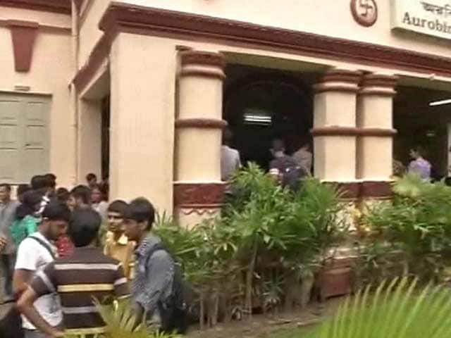 Video : Two Students of Jadavpur University Arrested for Allegedly Molesting Another Student