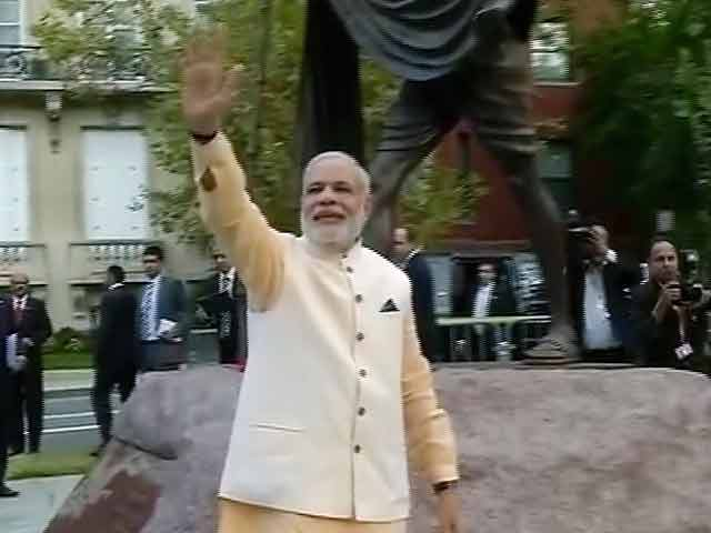 Video : पीएम मोदी ने महात्मा गांधी को दी श्रद्धांजलि