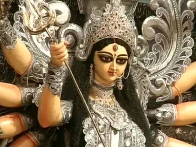 Video : Diamonds Worth Rs 10 crore for this Goddess Durga