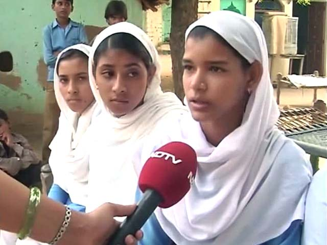 Video : Aspirations Bring Girls to Schools; Lack of Toilets Drives Them Away