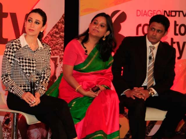 Video : Karisma Kapoor Launched the Diageo-NDTV Road To Safety Campaign