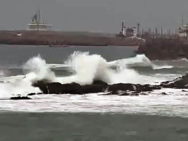 Video : Cyclone Hudhud Will Intensify in the Next Few Hours