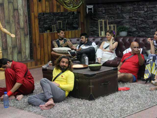 Video : Bigg Boss 8: Desperately Missing Its Shock-Value