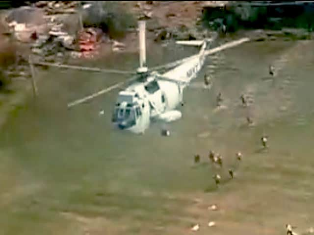 Video : Navy Reaches Out to Those Stranded in Cyclone-Hit Visakhapatnam
