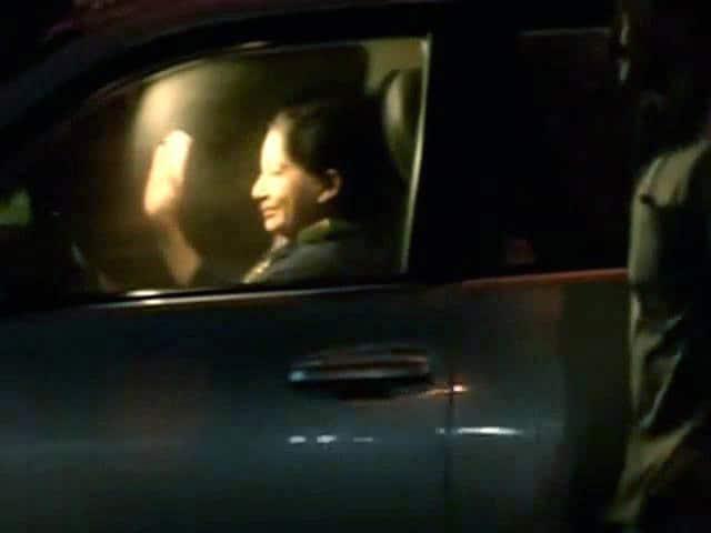 Video : इंडिया 9 बजे : जेल से रिहा हुईं जयललिता
