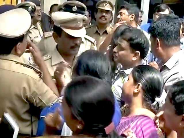 Video : बेंगलुरु केस में स्कूल के खिलाफ कार्रवाई का आदेश