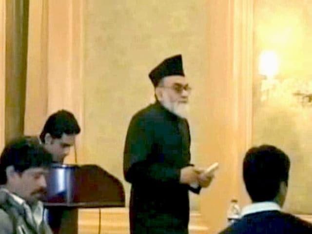 Video : जामा मस्जिद के शाही इमाम बुखारी पर जानलेवा हमला