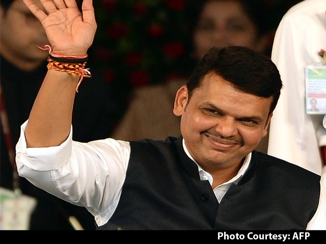 Video : Devendra Fadnavis Takes Oath as Maharashtra Chief Minister