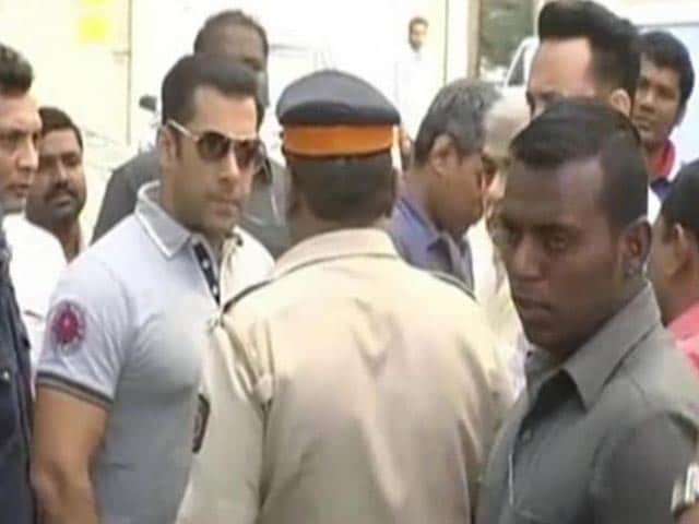 Supreme Court Raps Salman Khan on UK Visa Issue