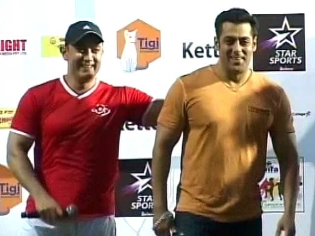 Video : Why Aamir Doesn't Need an Invite to Wedding of Salman's Sister