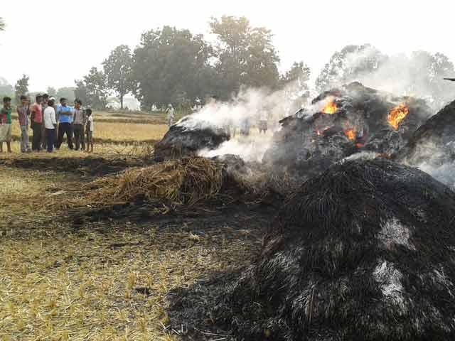 Video : महाराष्ट्र : गोंदिया में महिला को अज्ञात लोगों ने जिंदा जलाया